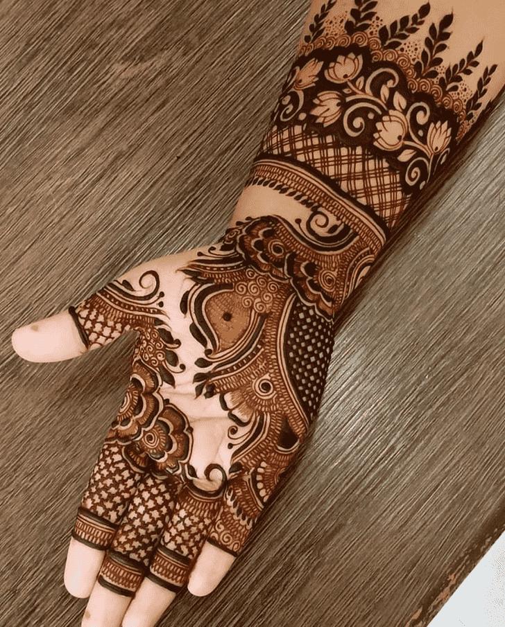 Shapely Comilla Henna Design