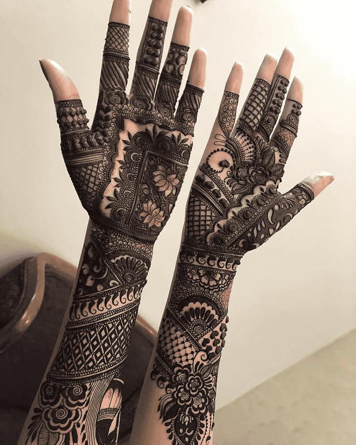 Slightly Comilla Henna Design