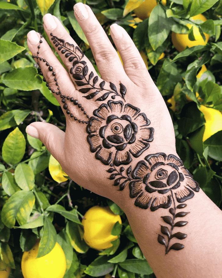 Admirable Cute Mehndi design