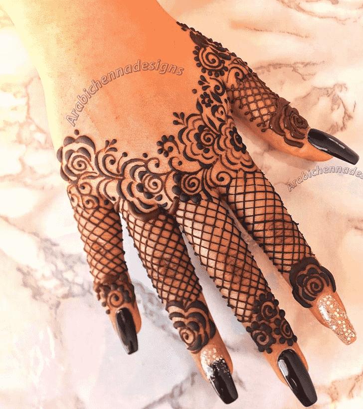 Appealing Dainty Henna Design