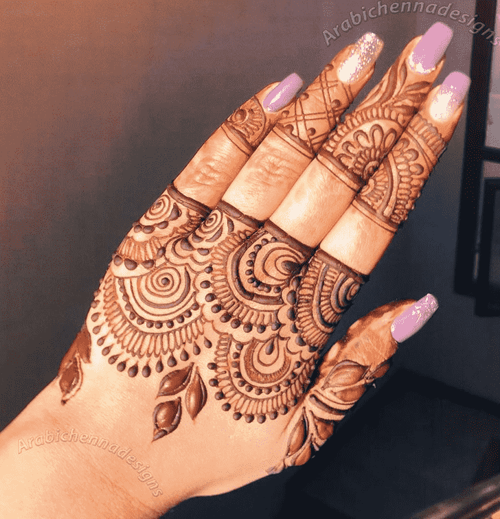 Beauteous Dainty Henna Design