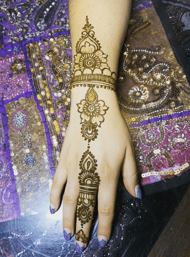 Fascinating Dallas Henna Design