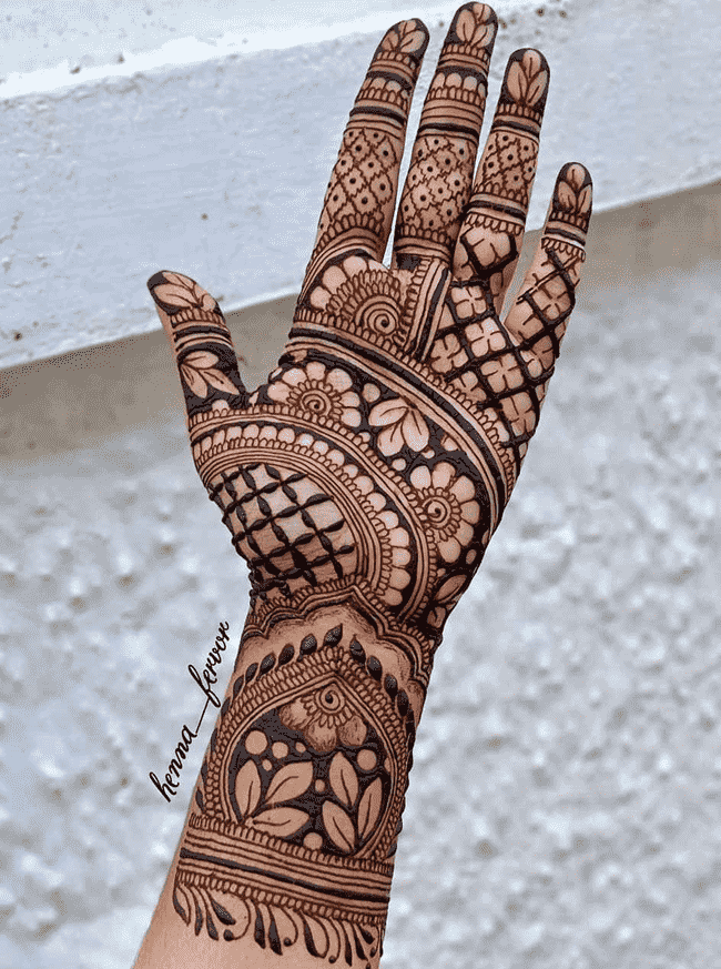 Alluring Darjeeling Henna Design