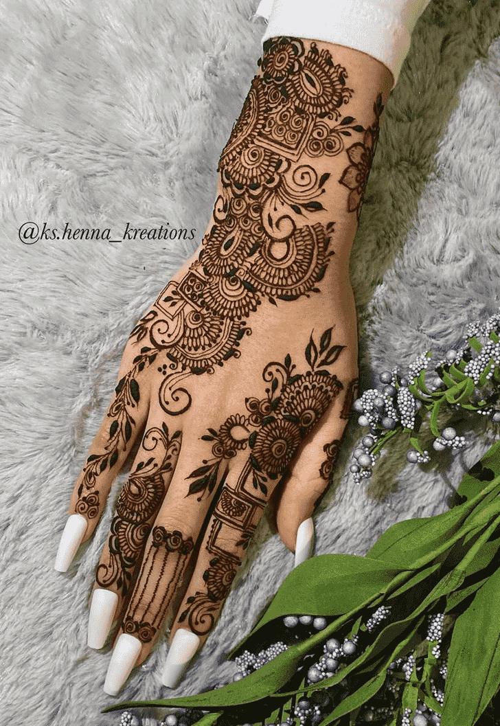 Charming Desi Henna Design