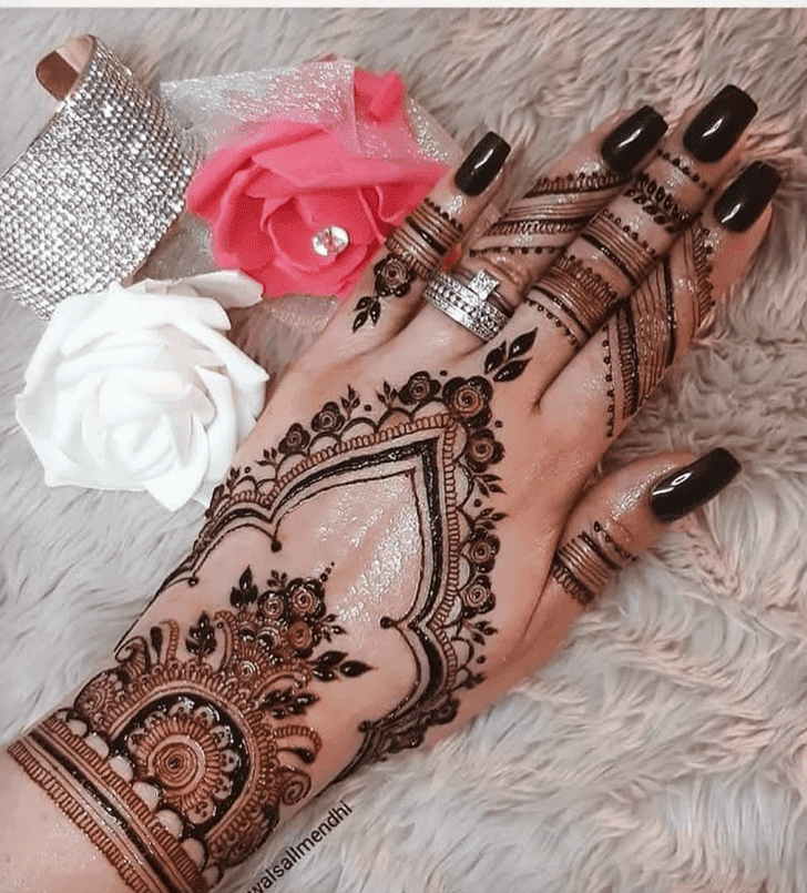 Alluring Dhaka Henna Design