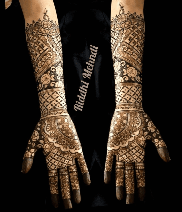 Bewitching Dhaka Henna Design