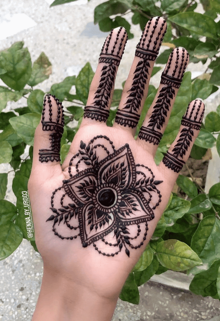 Charming Dhaka Henna Design