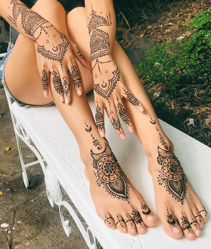 Alluring Divine Henna design