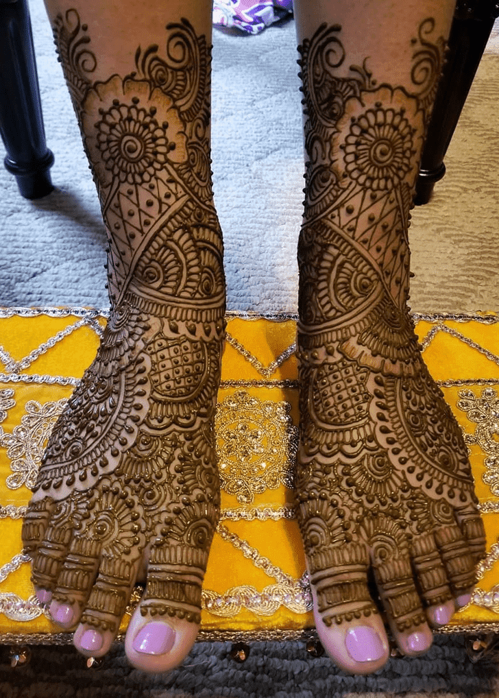 Foxy Diwali Henna Design