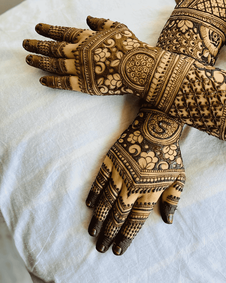 Bewitching Dubai Henna Design