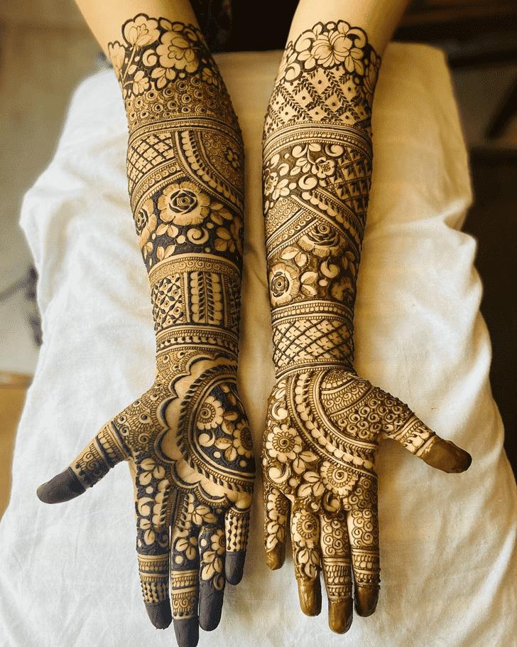 Classy Dubai Henna Design