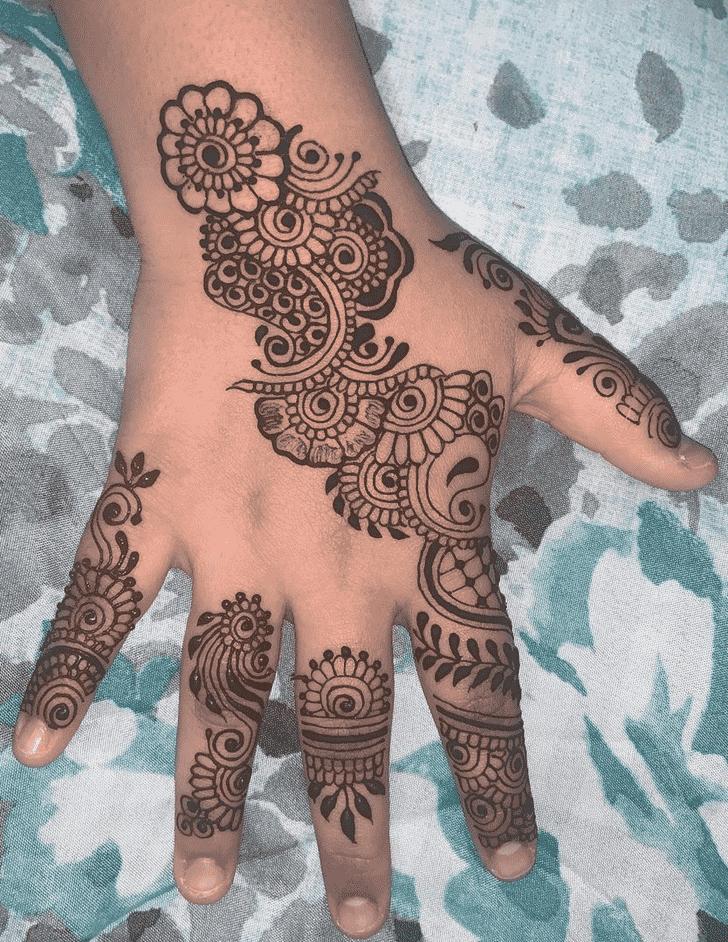 Elegant Dulhan Henna Design