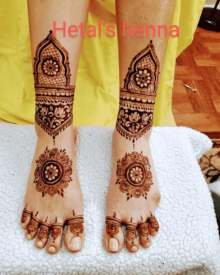 Fetching Dulhan Henna Design