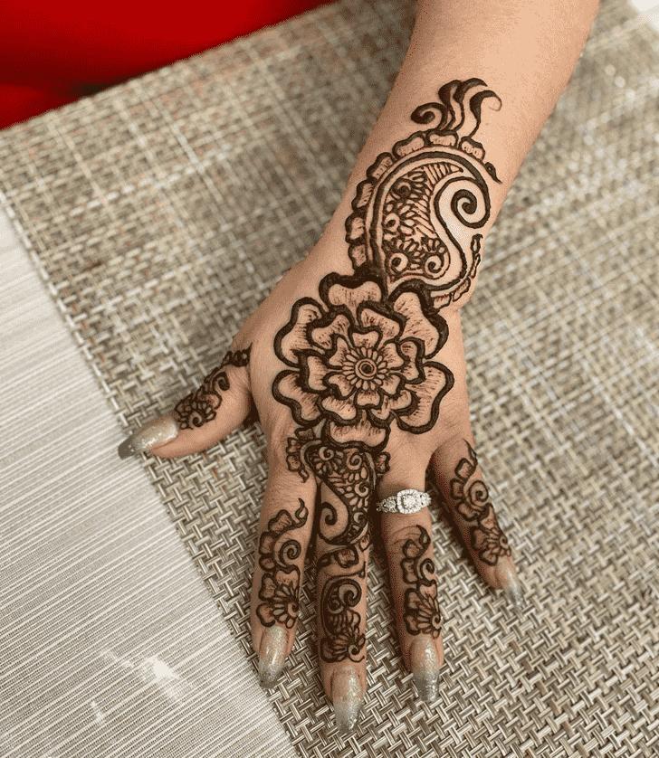 Lovely Dulhan Mehndi Design