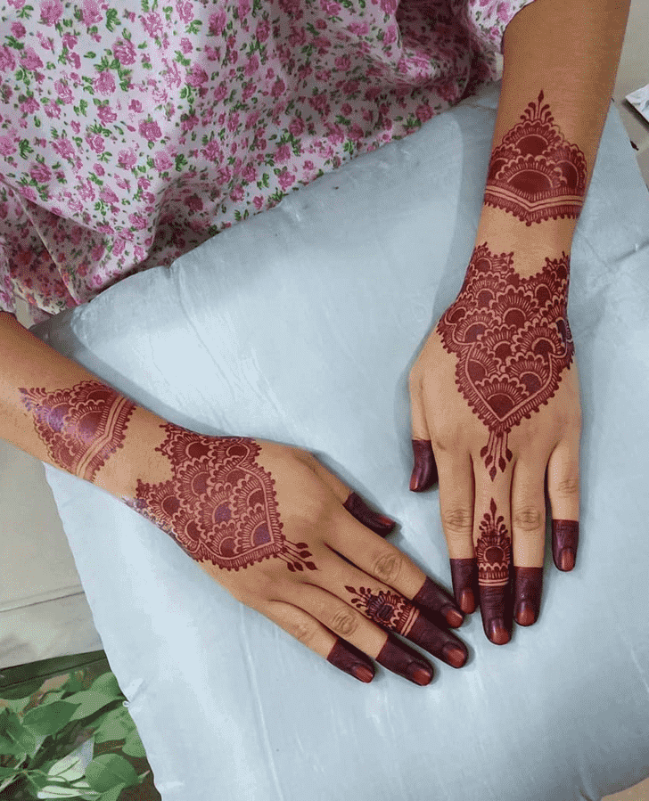 Admirable Easter Mehndi Design