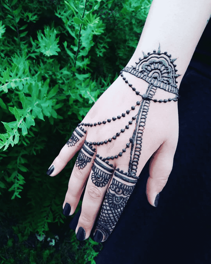 Angelic Easter Henna Design