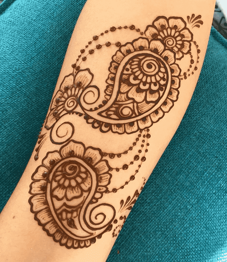 Bewitching Easter Henna Design