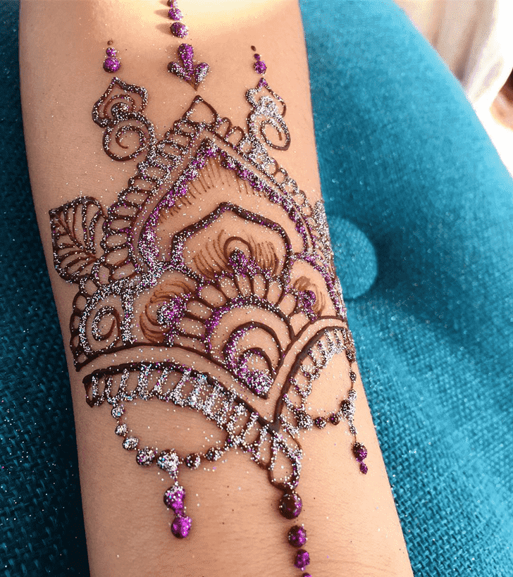 Captivating Easter Henna Design