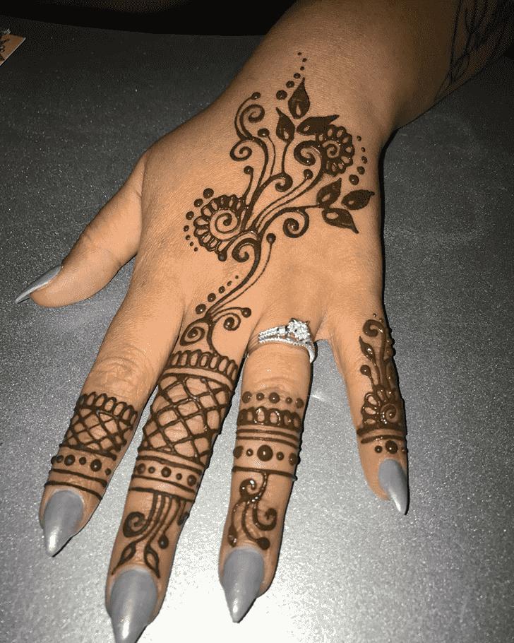 Comely Easter Henna Design