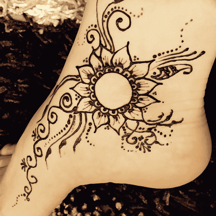 Elegant Easter Henna Design