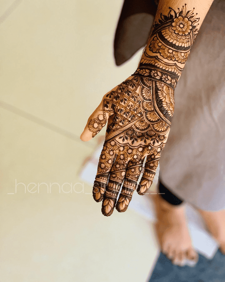 Admirable Easy Mehndi Design
