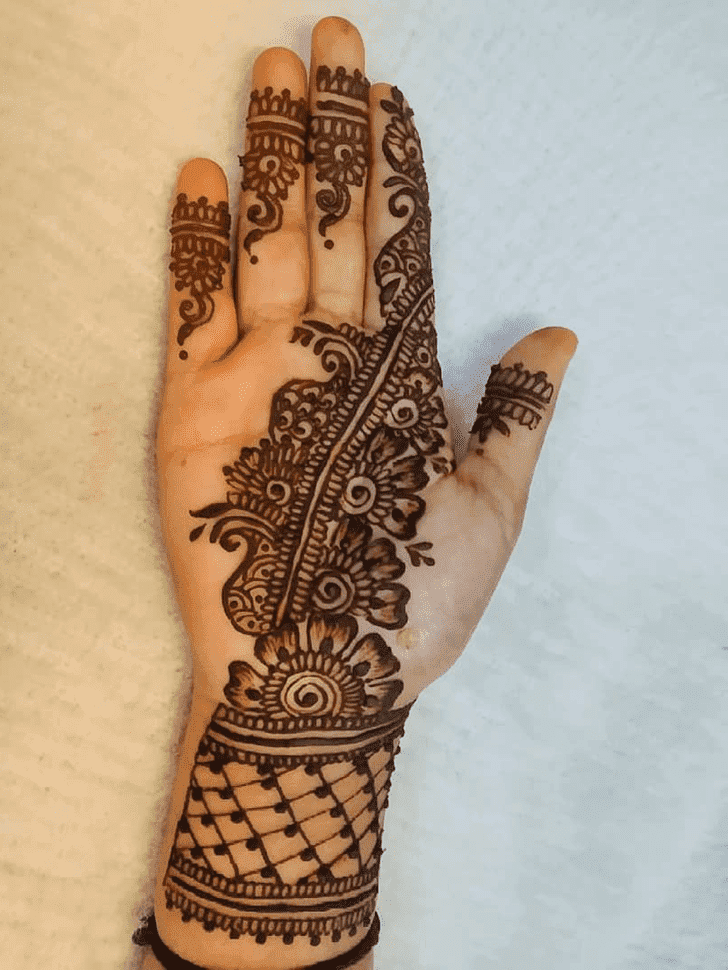 Alluring Easy Henna Design