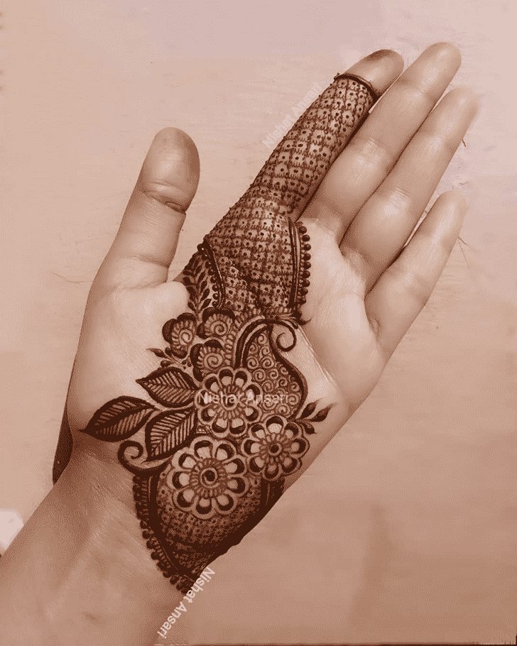 Admirable Egyptian Mehndi Design