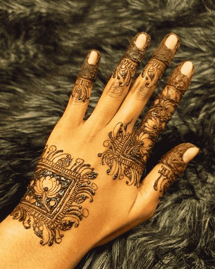 Angelic Egyptian Henna Design