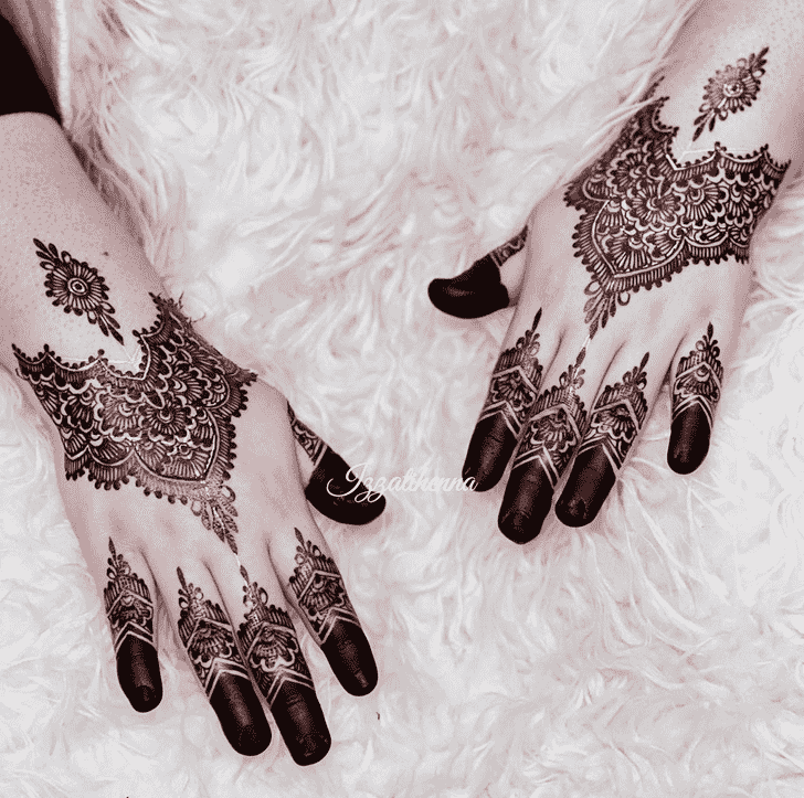 Bewitching Egyptian Henna Design