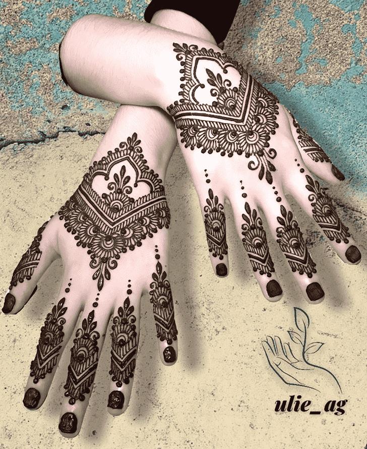 Lovely Egyptian Mehndi Design