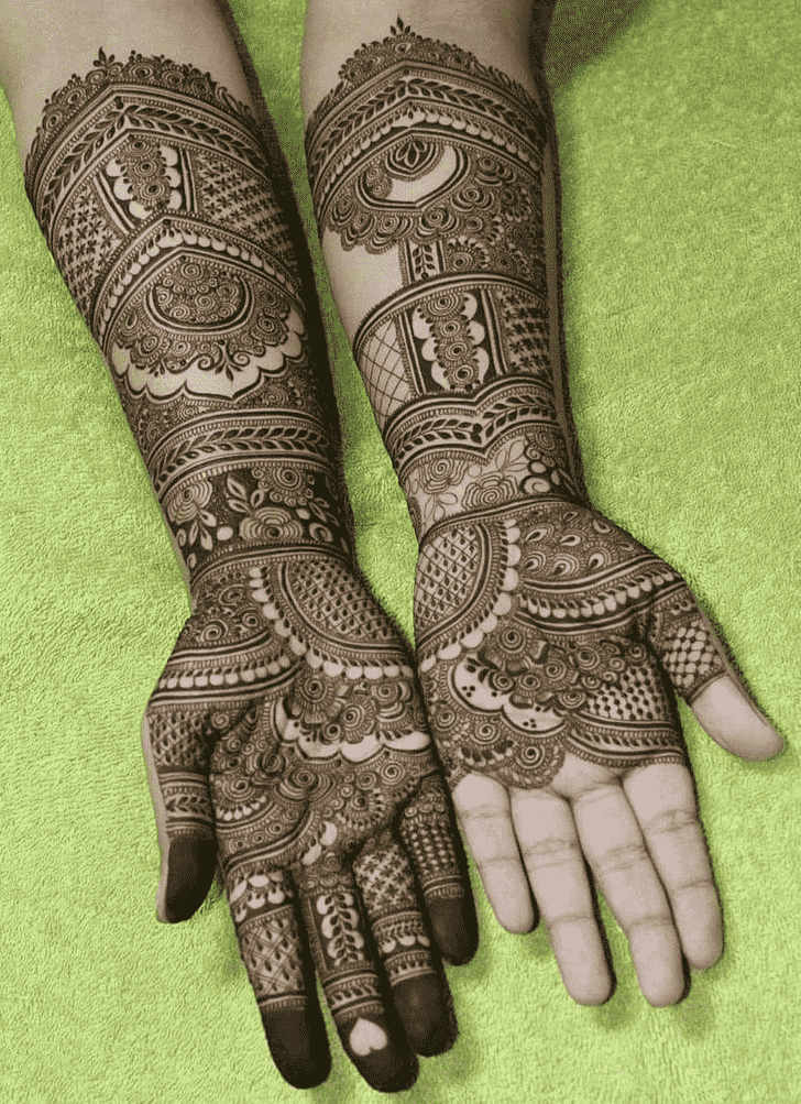 Resplendent Egyptian Henna Design
