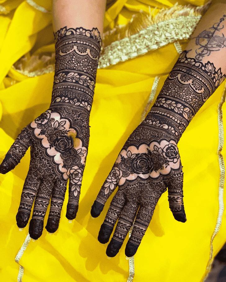 Alluring Epic Henna design