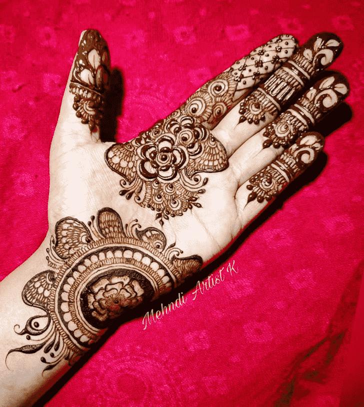 Charming Epic Henna design