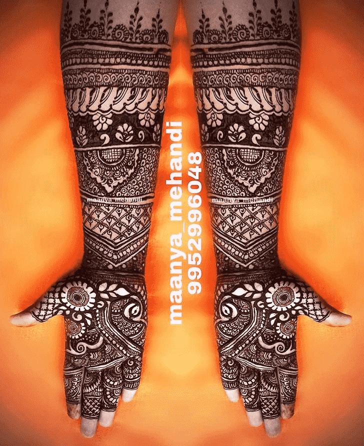 Captivating Faridabad Henna Design