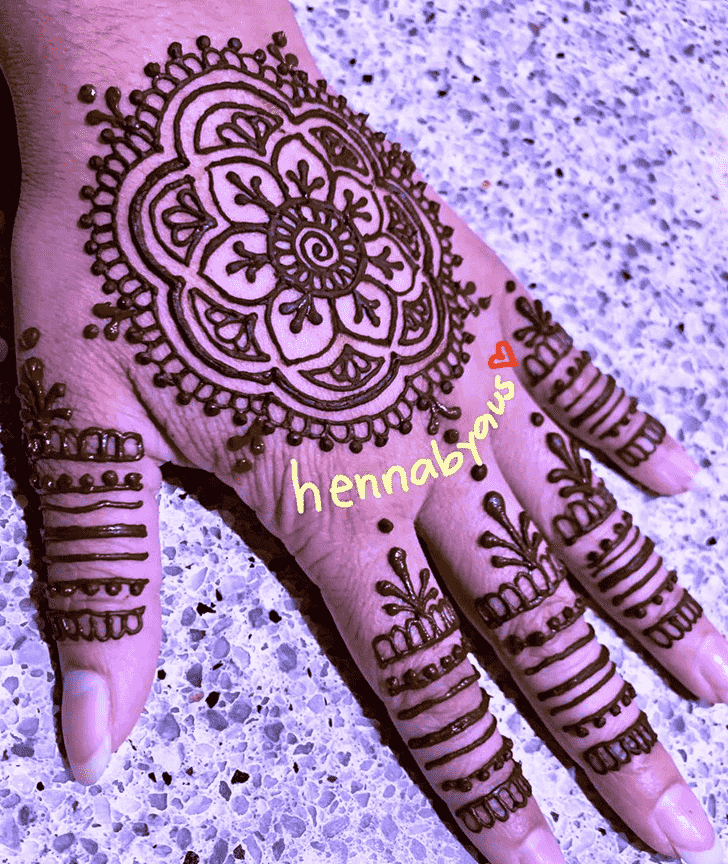 Admirable Finger Mehndi design