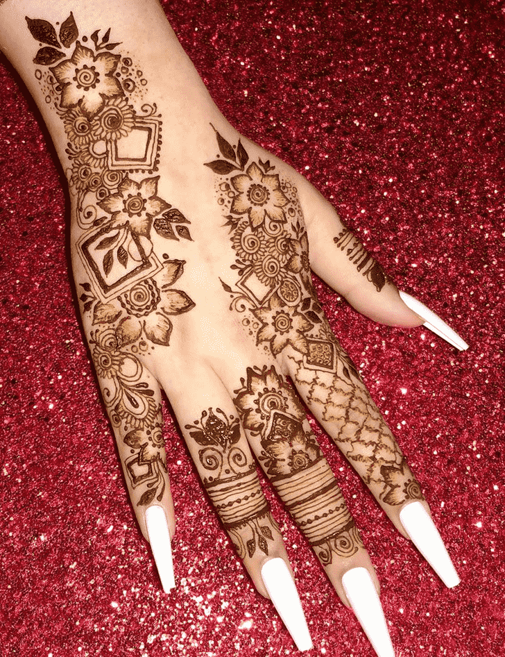 Comely Finger Henna design