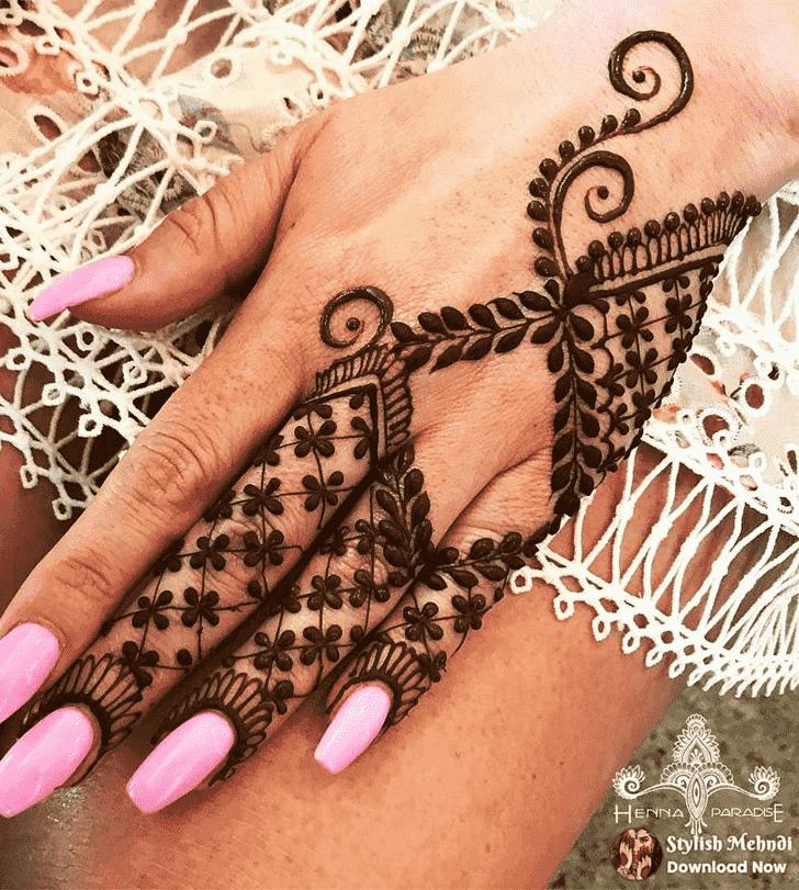 Ideal Finger Henna design