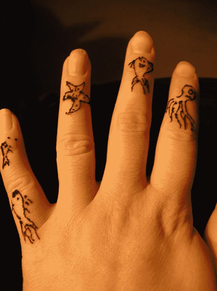 Magnificent Finger Henna design