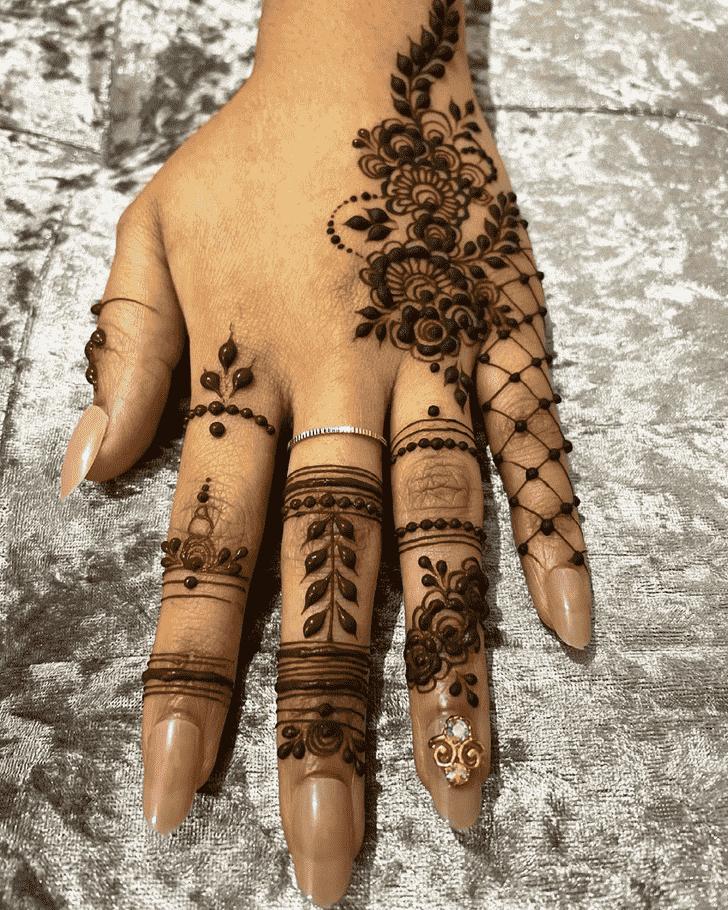 Radiant Finger Henna design