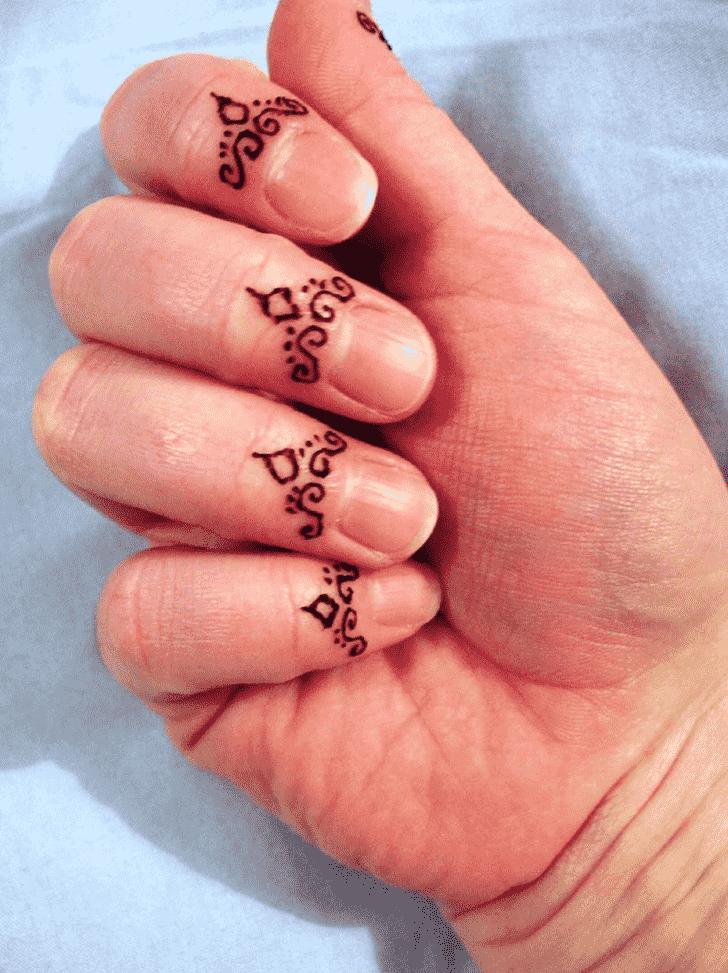 Refined Finger Henna design