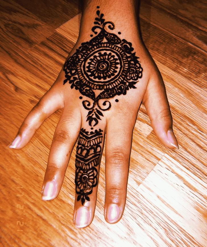 Wonderful Finger Mehndi design