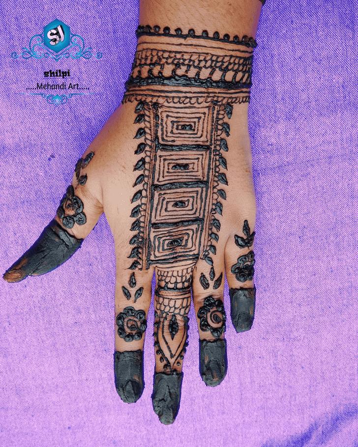 Appealing Floral Henna Design
