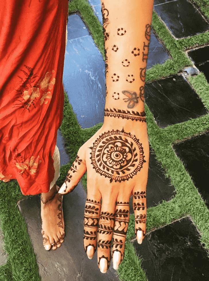 Charming Flower Henna design