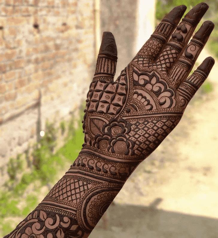 Classy Friends Henna Design