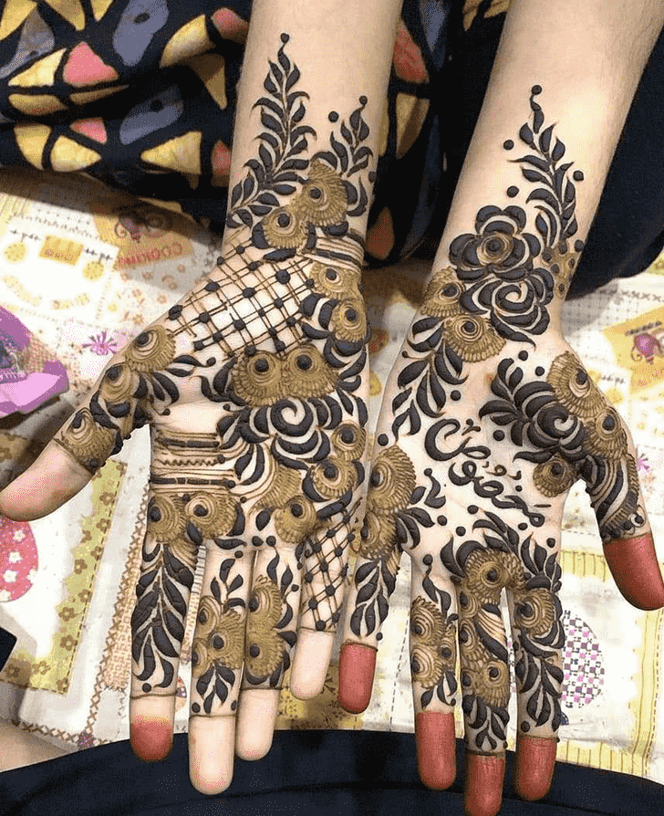 Comely Friends Henna Design