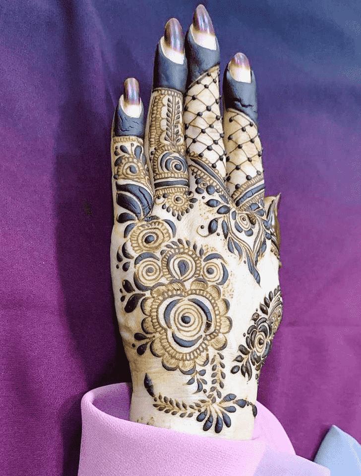 Dazzling Friends Henna Design