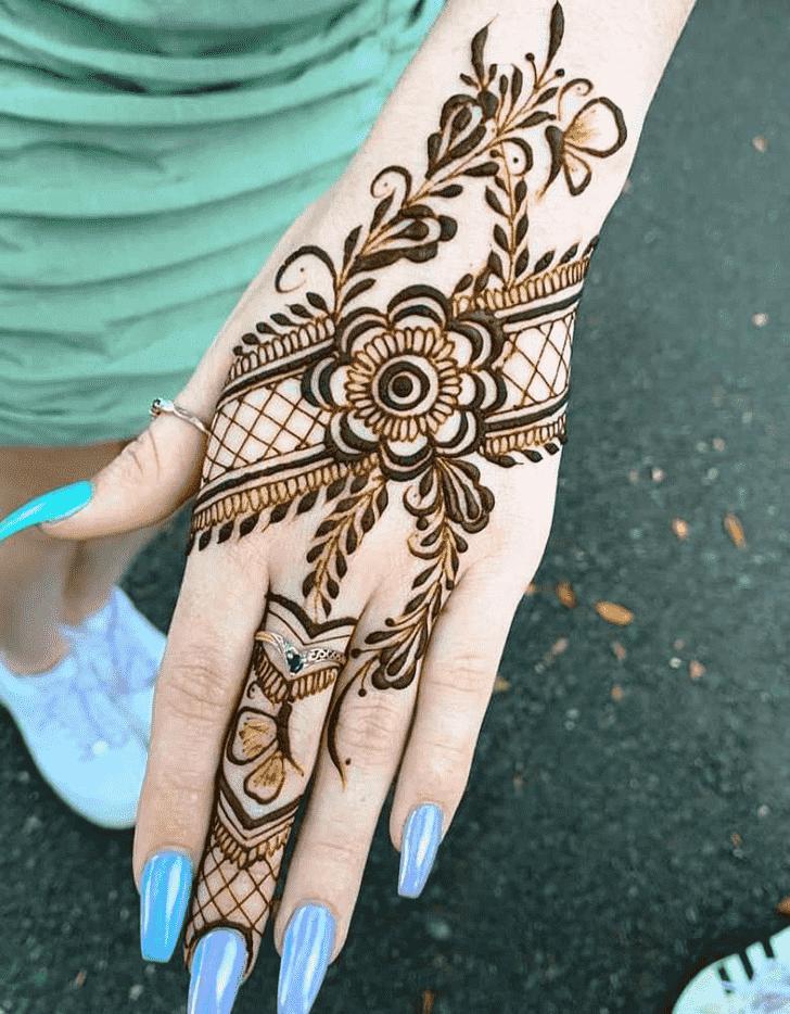 Delicate Friends Henna Design