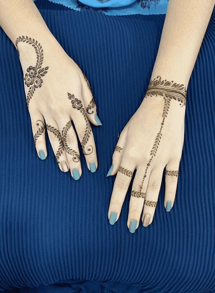 Alluring Friendship Day Henna Design