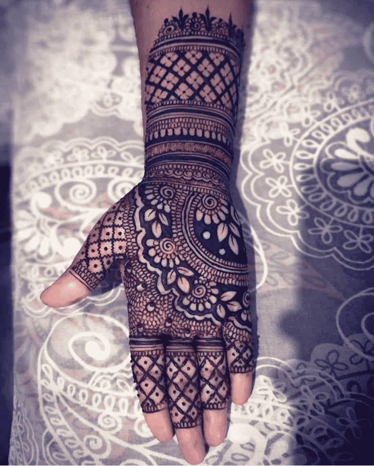 Admirable Front Hand Mehndi Design
