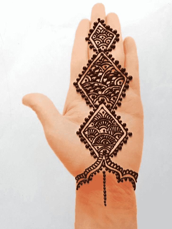 Enticing Front Hand Henna Design